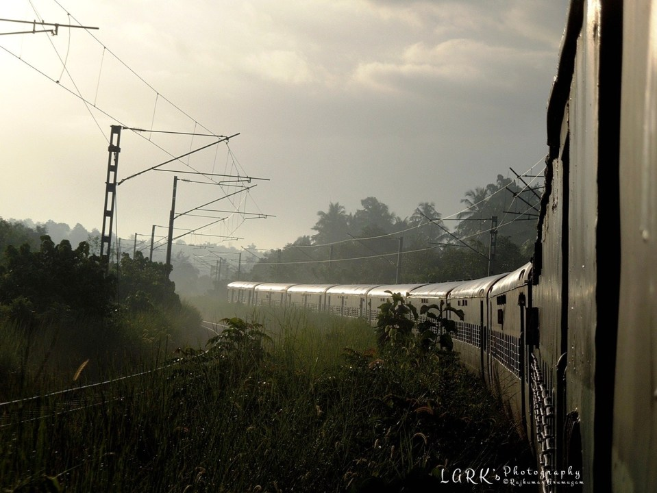 Indian Railways 22851 - Santragachi - Mangaluru Vivek Express